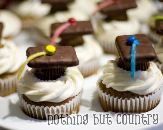 how to make graduation caps for cupcakes