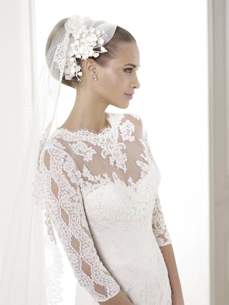 Exkluzív és egyedülálló választéka a 2015-ös Pronovias menyasszonyi ruha kollekciónak a La Mariée Budapest esküvői ruhaszalon! Látogasson el menyasszonyi ruhaszalonunkba a legújabb 2015-ös Pronovias esküvői ruhák fantasztikus kínálatáért!