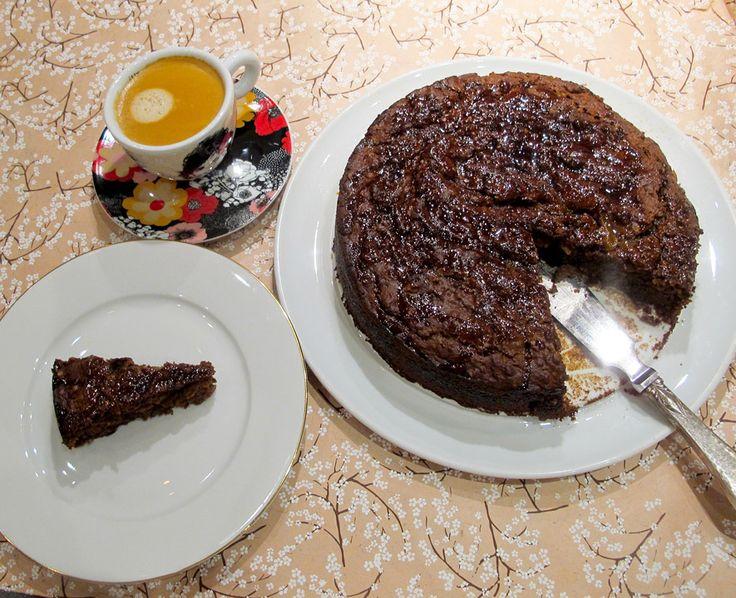 Herregud, jeg kan jo bake! Ikke bare kan jeg bake, men jeg har laget en kake som er så ufattelig god at jeg nesten blir rørt!  Hva er dette for noe fuzz, tenker du kanskje? Jeg er selvutnevnt skandalebaker og har kun et par kaker om jeg klarer å få til. Nå har jeg en til på lista. Og det som er så