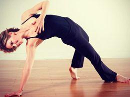 alignyo free yoga video: 40-minute new moon yoga flow from Anita Goa