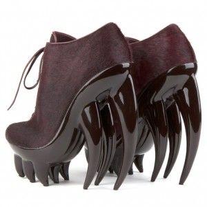 ¿Te gustan los zapatos? Si los zapatos es lo tuyo descubre los trucos para ir más cómodo: http://www.plantillascoimbra.com