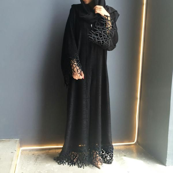 Elegant black in heavy poly Cotton with lace