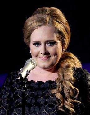 Passo a passo ensina penteados da cantora Adele - Terra Brasil