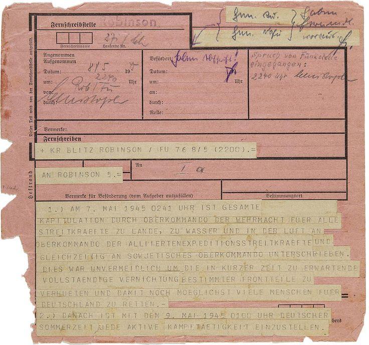 """Am 8. Mai 1945 befahl Karl Dönitz, als Nachfolger von Adolf Hitler das letzte Staatsoberhaupt des """"Dritten Reichs"""", per Telegramm die Einstellung aller Kampfhandlungen."""