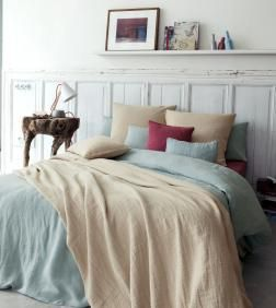 $179UK LINEN DUVET COVER (SHEETS, SHAMS, Etc. French Co.)  Pure and soft hemp (a.k.a. LINEN) fabric. Our special finish makes the material supple and enhances the natural charm of the fibres. In 20 different colors!  Crumpled, hemp fibres repel humidity and stop perspiration acting as a natural thermostat, and as there are no chemical products used, it is highly appropriate for allergy sufferers. The unique feeling of being surrounded by softness. Guaranteed.  Simple shape with flap. Couleur…