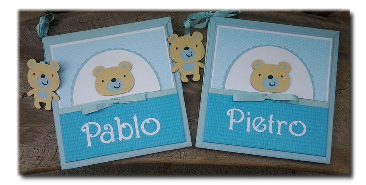 Diário do Bebê para deixar registrado o desenvolvimento do bebê e principais fotos, personalizado com nome, e de uma forma muito fofa, em scrapbook. O modelo da livro do bebê da foto foi personalizado nas cores,azul e branco, com papéis especiais para scrapbook, com tema de ursinho. Veja mais modelos em www.elo7.com.br/livro-do-bebe/al/56E08