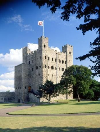 Rochester Castle was besieged for the third time in 1264 during the Second Barons' War (1264–1267). The castle's royal constable, Roger de Leybourne, held Rochester in support of Henry III. Rebel armies led by Simon de Montfort and Gilbert de Clare entered the city and set about trying to capture the castle. King Henry III, Simon, and Gilbert all on our ancestry family tree.
