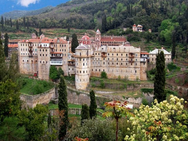 http://www.world-travel-photos.com/photos2/greece/athos-zographou-9783.jpg