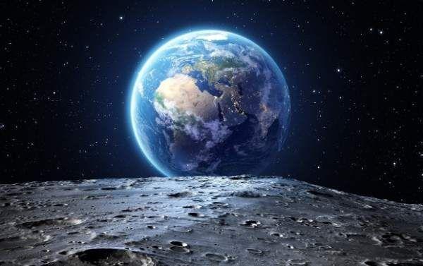 إكتشاف ثلاثة كواكب تشبه الأرض Earth From Moon The Blue Planet Earth From Space