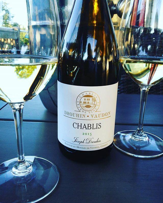 Un #vigneron exemplaire fidèle et passionné de ses terroirs surtout le #chablis adorablement bon ! #vin blanc de la #bou...
