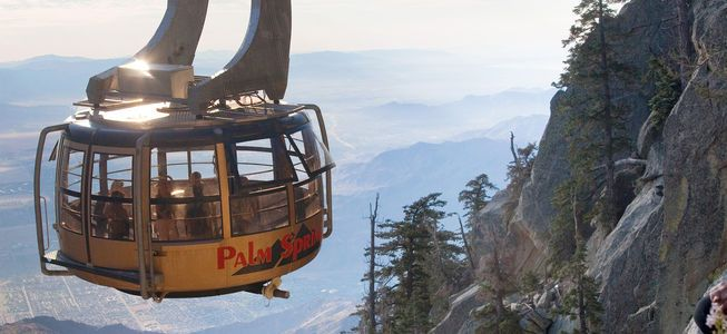 Riding the Palm Springs Aerial Tramway [Video]