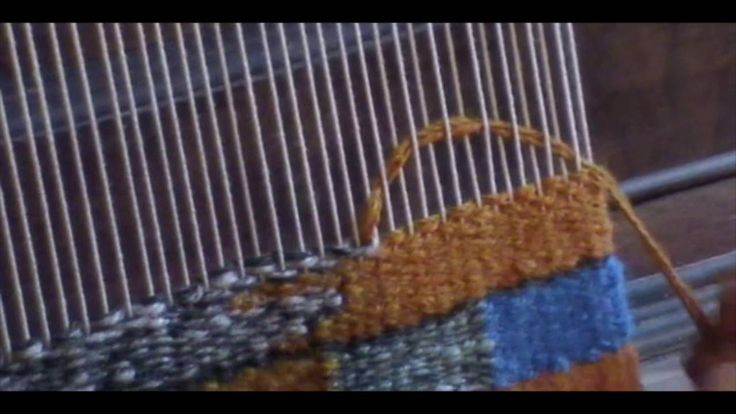 Tapestry: weft relays and shading - YouTube