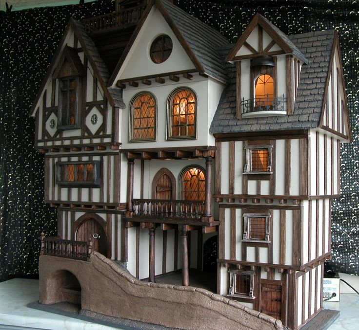 Tudor dolls houses and fantasy dolls houses - Gerry Welch Manorcraft Dolls Houses. Chester Street.