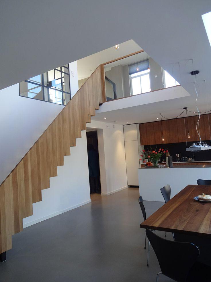 17 beste afbeeldingen over trappen op pinterest for Moderne houten trap
