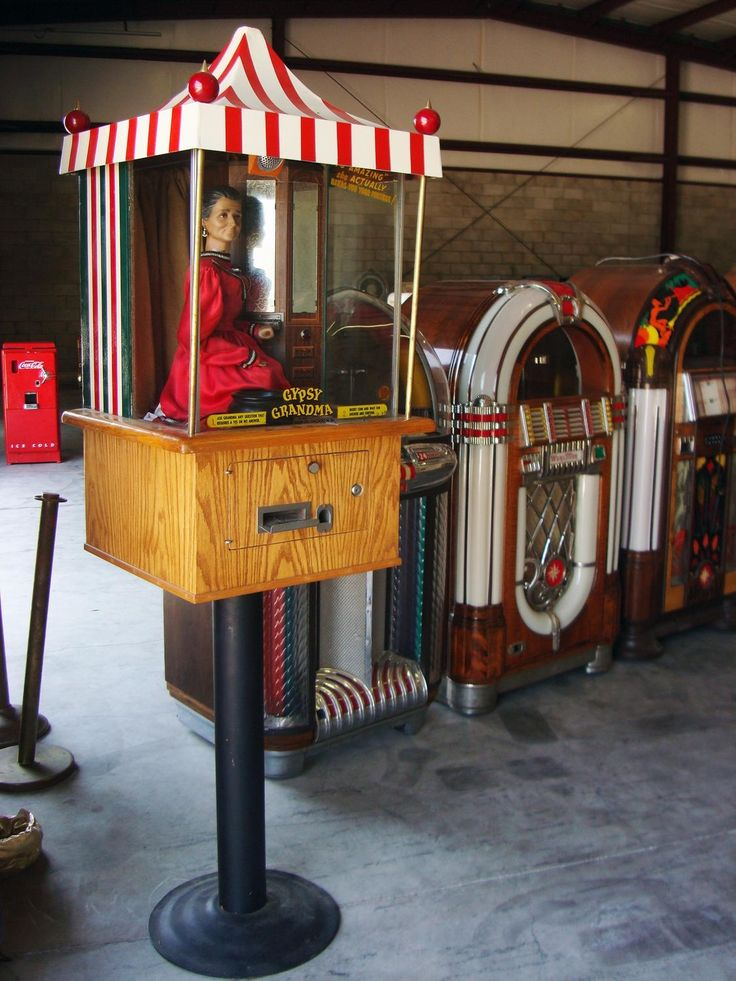 1957 Genco Gypsy Grandma Fortune Teller Arcade Machine