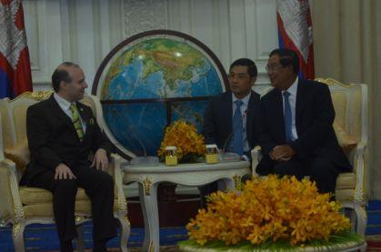 European President-Professor Dr. Anton Caragea and Cambodia`s Prime Minister Academician HUN SEN