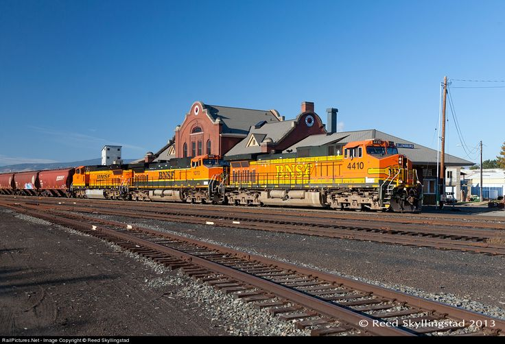 RailPictures.Net Photo: BNSF 4410 Burlington Northern Santa Fe GE C44-9W (Dash 9-44CW) at Ellensburg, Washington by Reed Skyllingstad