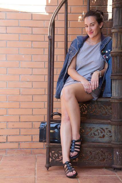 Look Vestido listrado / Jaqueta Patches/ Pins / Inspired Melissa Flox / Petite Jolie