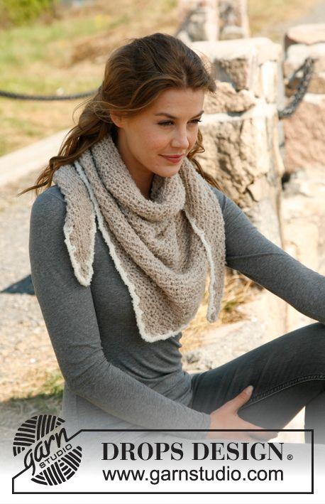 """Scialle a triangolo DROPS, ai ferri, a punto legaccio in """"Alpaca Bouclè"""". DROPS Design: Modello n° AB-008 ~ DROPS Design - bordo uncinetto -  - scarf crochet border"""