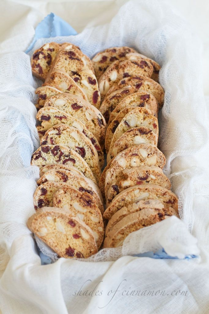 tips to making the best biscotti cranberry and cashew biscotti
