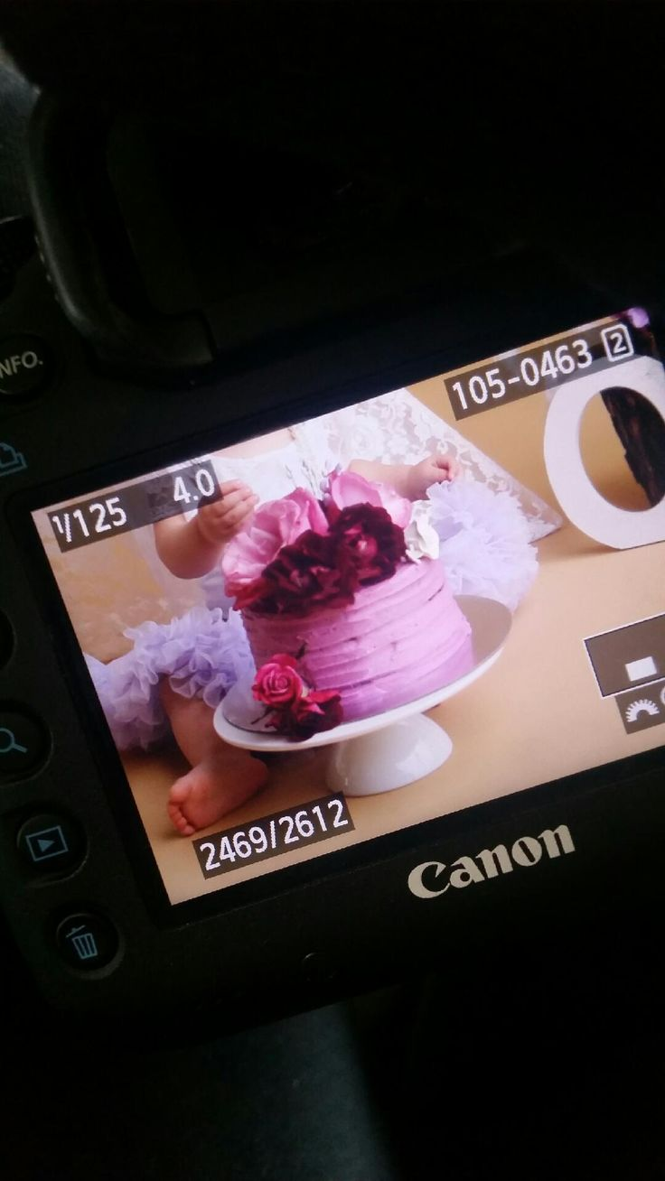 Vanilla buttercream smash cake fresh flowers