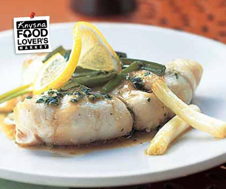 #Didyouknow: Delicate white fish such as flounder, sole, cod and orange roughy are excellent sources of low-fat protein. The best methods for cooking delicate types of fish are poaching, braising, pan-frying, and baking. Asian flavors such as ginger, cilantro, rice vinegar, and soy sauce are a pleasing contrast to the mild-flavored flounder. Pair with delicious low-carbohydrate recipes.#FLMKnysna #Flonder