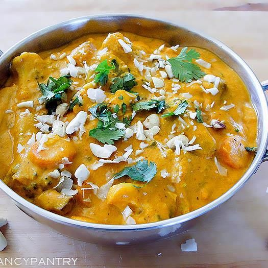 #Vegetarian #Korma Recipe with Ingredients & Directions. For #Video & complete #recipe http://cookingcrave.com/vegetarian-korma-recipe/