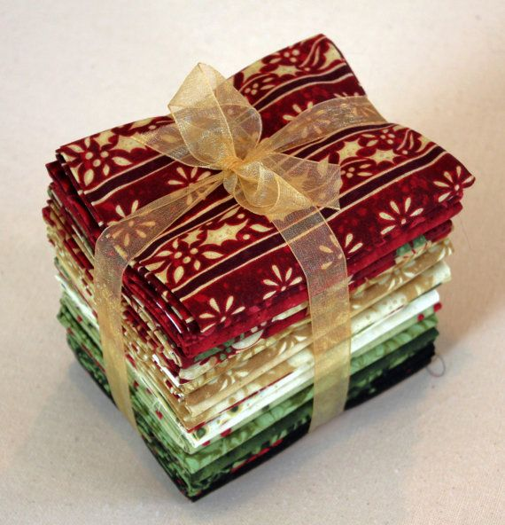 Great deal for 20 fat quarters! Noel Fat Quarter Bundle by Susan Winget for Benartex via Etsy