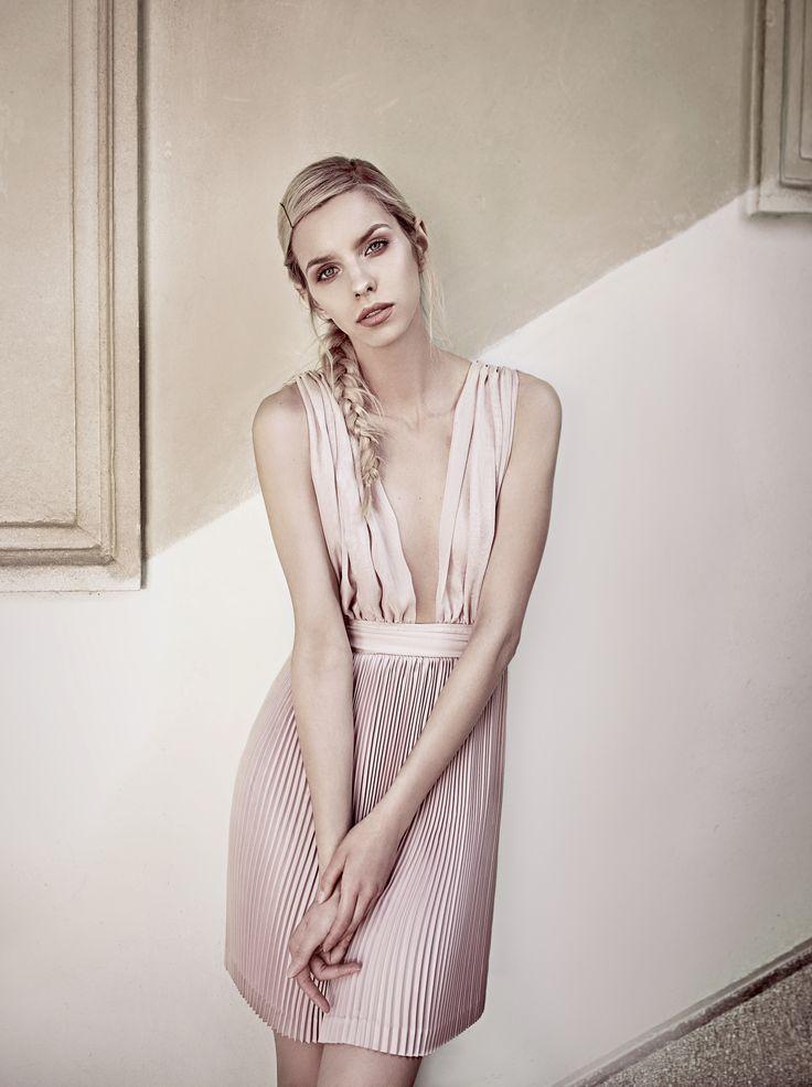 Pleated dress by Oana Pop #fashion #fashioncollection #fashionphotography #fashioneditorial #pleateddress #details