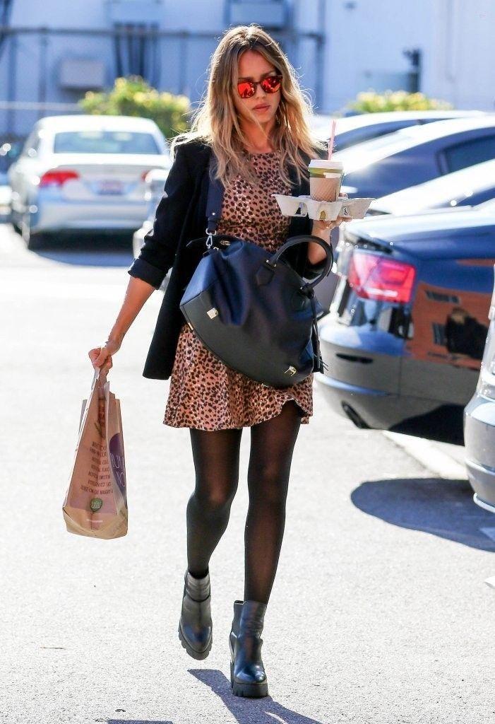 Jessica Alba Photos: Jessica Alba Heads to the Office - Celebrity Street Style