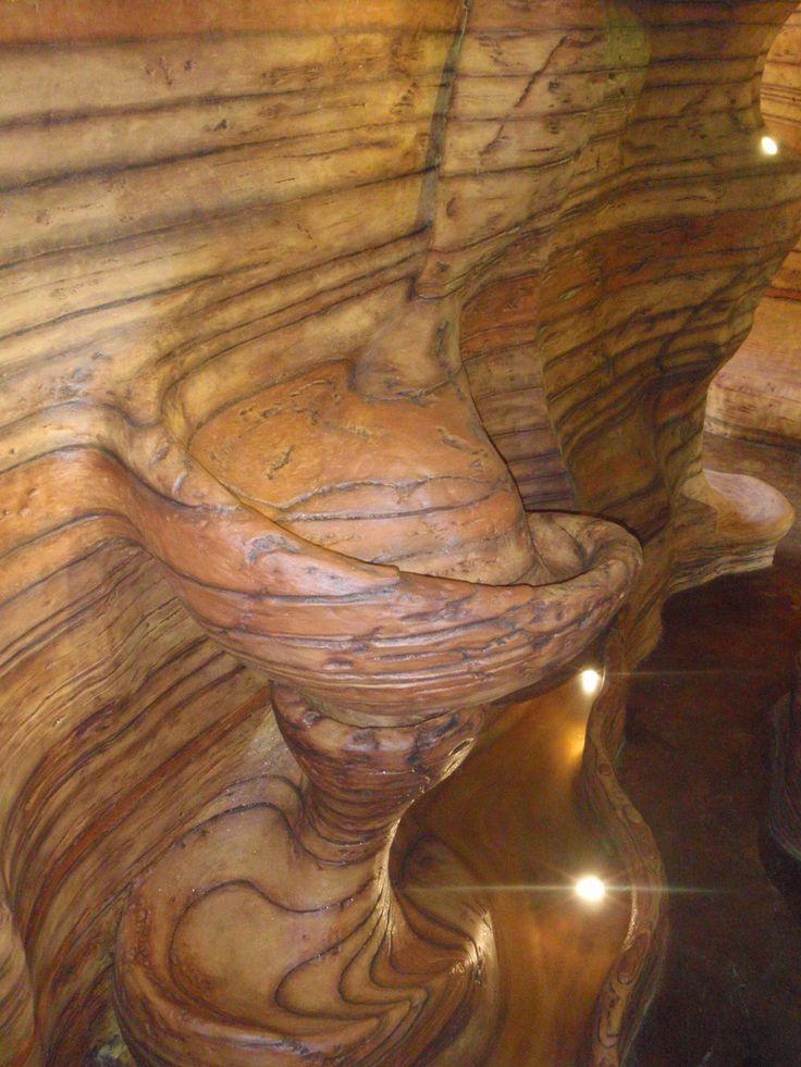 Caída de agua en espiral. Si quieres ver más, visita OneDreamArt.com