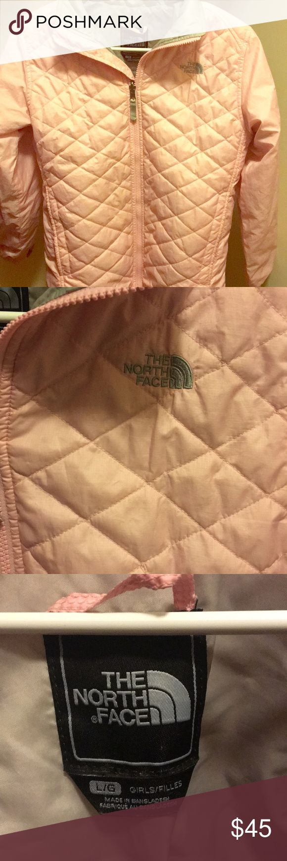 Quilted Kids North Face Lightly worn girl's North Face, inside left pocket included. Very cute for the fall/winter time. North Face Jackets & Coats
