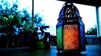 I managed to capture this photo of a lamp in my backyard using the Nokia, Lumia1520 windows phone