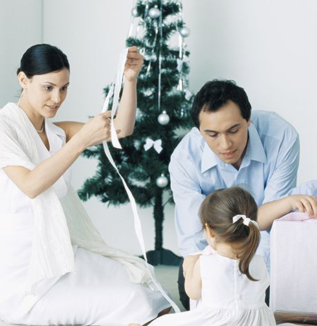 Jul, Nytår og Skilsmisse! Overskriften klinger ikke rart i nogens ører. Men der er håb om at ændre overskriften, hvis I vil, - selvom jeres parforhold ikke fungerer og virker håbløst. Få 8 gode råd fra psykologen ...