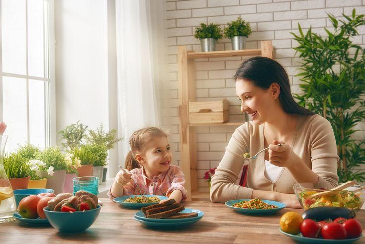 Alleinerziehende Mütter sind vielfältigen Belastungen ausgesetzt. Als so genannte Einelternfamilie können sie nicht auf die Unterstützung durch einen Partner bauen. Um die Situation ein wenig abzufangen, gibt es einige Dinge, die Ihnen als alleinerziehende Mutter zustehen. Das sollten Sie nutzen!