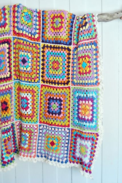 great granny blanket, 10 rounds for each block.