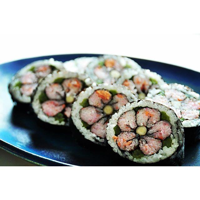 skymiico一重梅の飾り巻き寿司♪ #ひなまつり #もものせっく #まきずし #おうちごはん