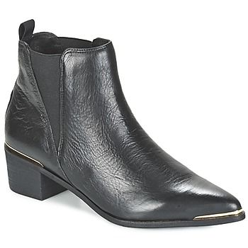 Petite nouvelle de la saison, cette bottine noire a tout de la parfaite citadine ! Elle se pare d'une tige en  et d'une semelle extérieure en synthétique. Son talon  de 4 cm vous fera prendre de la hauteur en toute simplicité. Avec la Indios, Buffalo vous promet une bonne dose de style en toutes circonstances ! - Couleur : Noir - Chaussures Femme 119,90 €