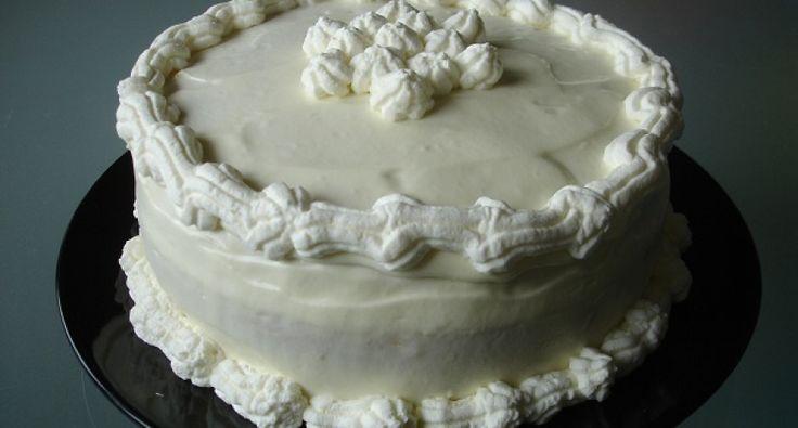 Fehércsokoládés-karamelles torta recept