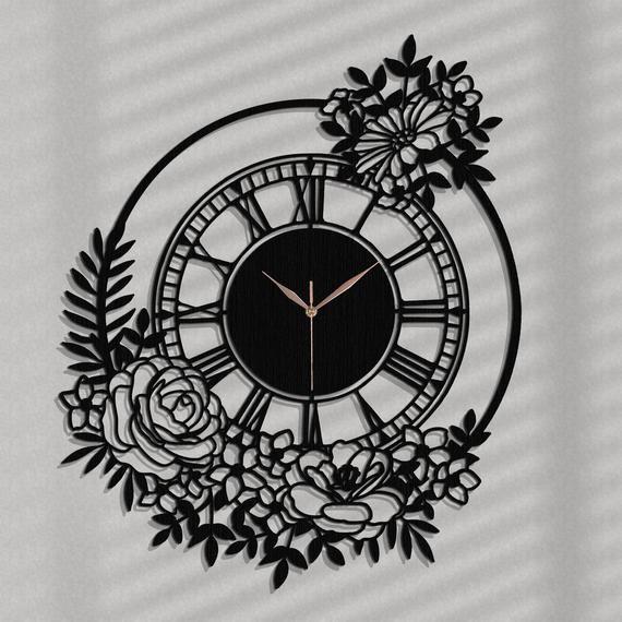Produkty Podobne Do Dekoracyjny Zegar Azurowy Kwiatowy Ozdobny Zegar Vintage 53 X 63 Cm Cichy Zegar Dekoracja Salonu Oryginalny Prezent W Etsy In 2020 Metal