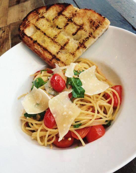Pomodori pelati, polpa o passata. Per un piatto di spaghetti come #bio comanda scegli la nostra selezione di conserve: l'eccellenza italiana sulla tua tavola.  http://www.ecomarket.eu/prodotti-bio-1/condimenti-e-conserve/conserve-pomodoro-bio.html#Condimenti_e_conserve