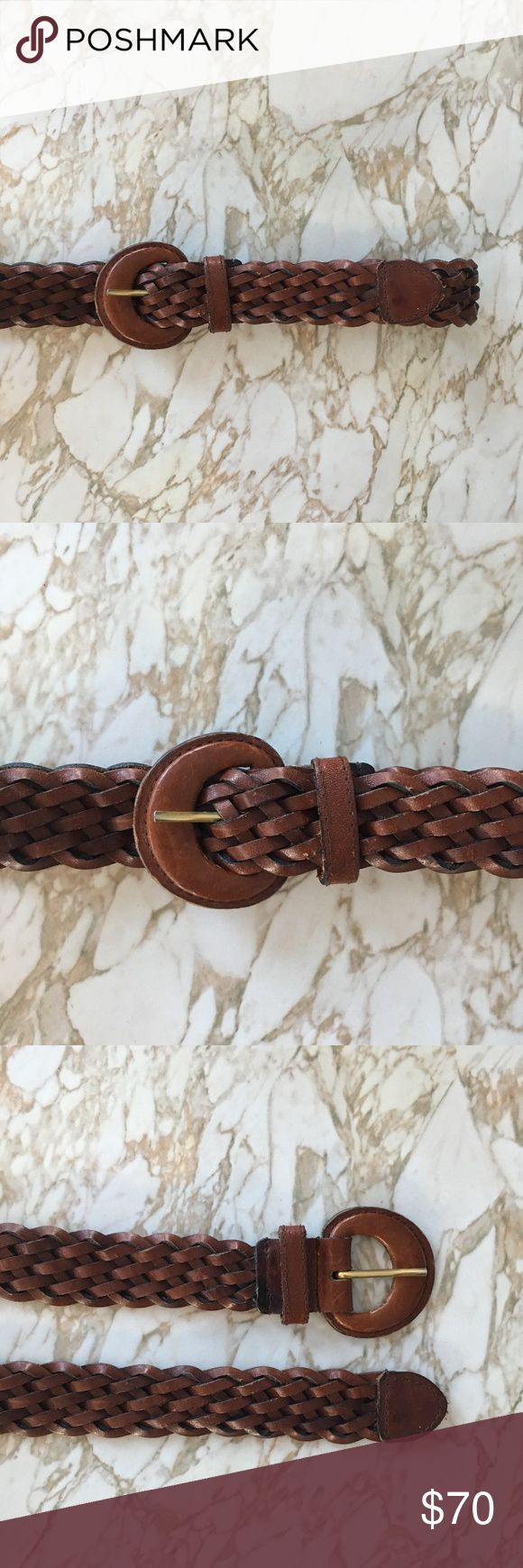 "Madewell Vintage Brown Leather Braided Belt Medium Madewell Vintage Brown Leather Braided Belt. Covered leather circle buckle measures 2.25"". Belt fits size XS to Medium, measures 37"" long, 1.25"" wide. No preset holes, fully adjustable. In perfect vintage condition, purchased at Madewell vintage pop-up shop. No trades; bundle discount available! Madewell Accessories Belts"
