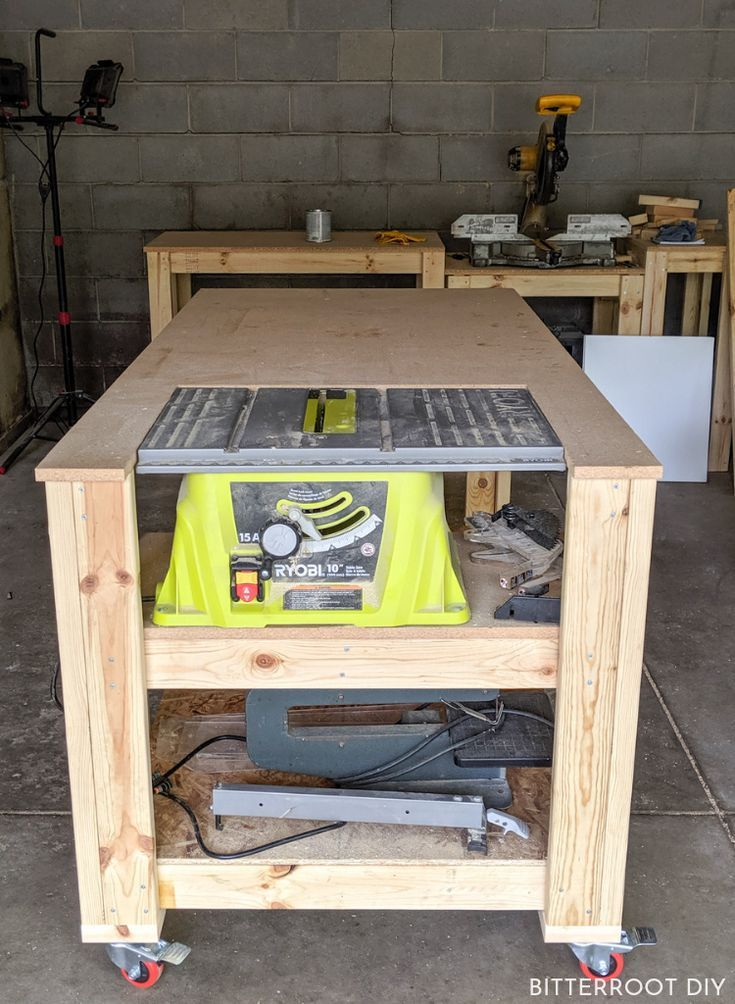 Mobile Workbench With Table Saw Check More At Https Furniture Dailygoodpin Com Furniture Mo Portable Table Saw Diy Table Saw Mobile Workbench