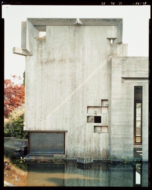 Carlo Scarpa . tomba Brion, photograph by Guido Guidi, 1996-98