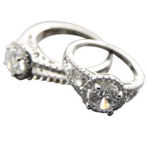 True mastery & aptitude from one of Antwerp's the diamond city top jeweller. Come and look at our diamond engagement rings, imaginative diamond jewellery and of course just plain diamonds.