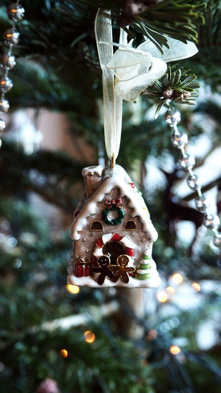 Adorable mini gingerbread house Christmas tree ornaments