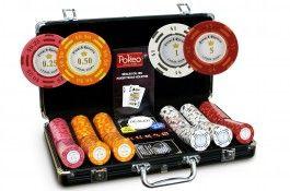 Mallette French Riviera 300 jetons Cash Game - Pokeo.fr - Mallette de 300 jetons French Riviera® en clay composite 14g + 2 jeux de cartes 100% plastique. Composition adaptée aux parties de Cash Game.