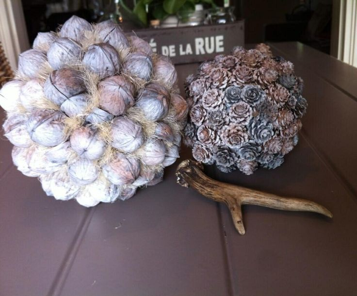 Kleine ballen met walnoot en larixbolletjes, www.bijdedijk.nl