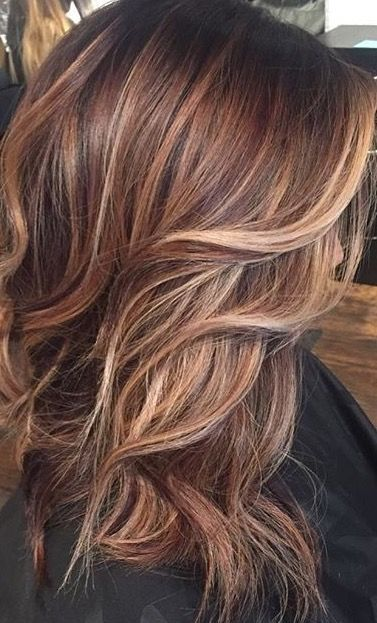 when i see all these fall hair colors for brown blonde balayage carmel hairstyles it always makes me jealous i wish i could do something like that I absolutely love this fall hair color for brown blonde balayage carmel hair style so pretty! Perfect for fall!!!!!