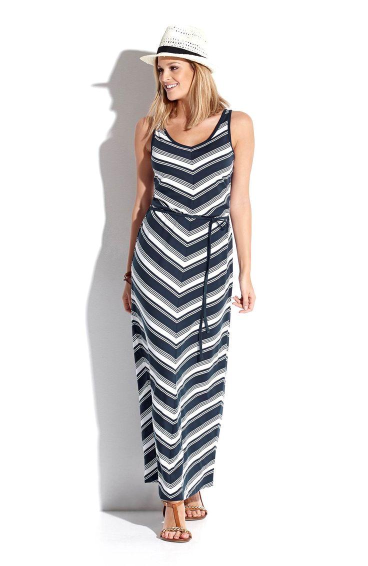 Idealna stylizacja na lato! Długa sukienka w modne granatowo-białe pasy od Happy Hollyhttp://www.halens.pl/moda-damska-rozmiary-specjalne-na-gore-5828/sukienka-celina-555606?imageId=393867&variantId=555606-0080